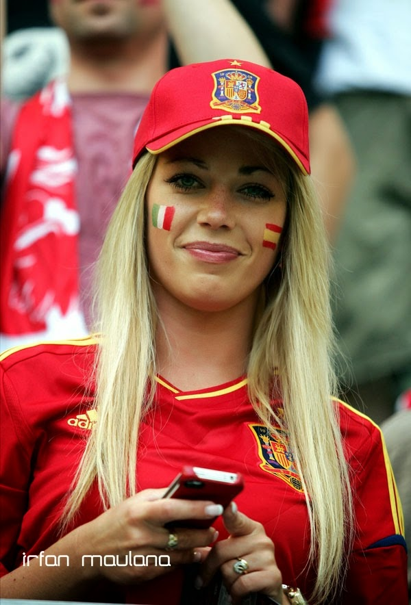 Beautiful Baby Girl Hd Wallpapers 1080p Hd Germany Team Girl Fans World Cup Brazil 2014 Wallpapers